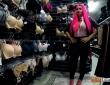 Barbie Bi follada en el probador por Nick Moreno 3