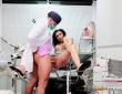 Debora Méndez debuta en la consulta del Doctor Nick 6