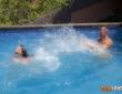 Henessy y Juan Lucho se lo montan en la piscina 4