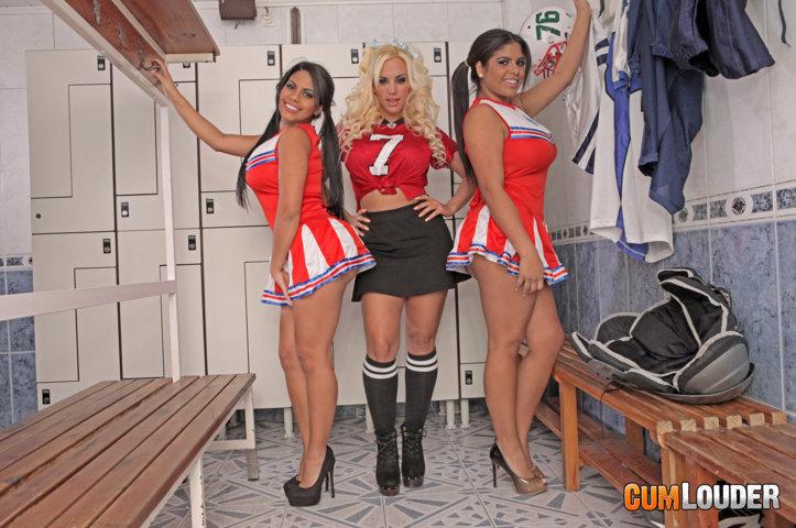 Blondie Fesser y las hermanas Ortega en una orgía