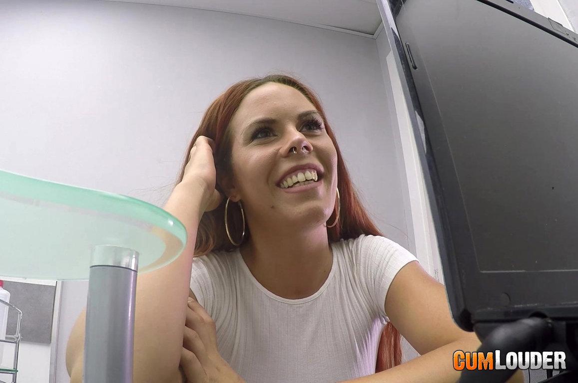Gala Brown visita al Doctor Moreno