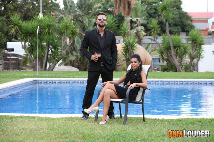 Juan Lucho y Apolonia brindan y follan
