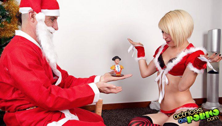 Nora Barcelona se lo monta con Papa Noel