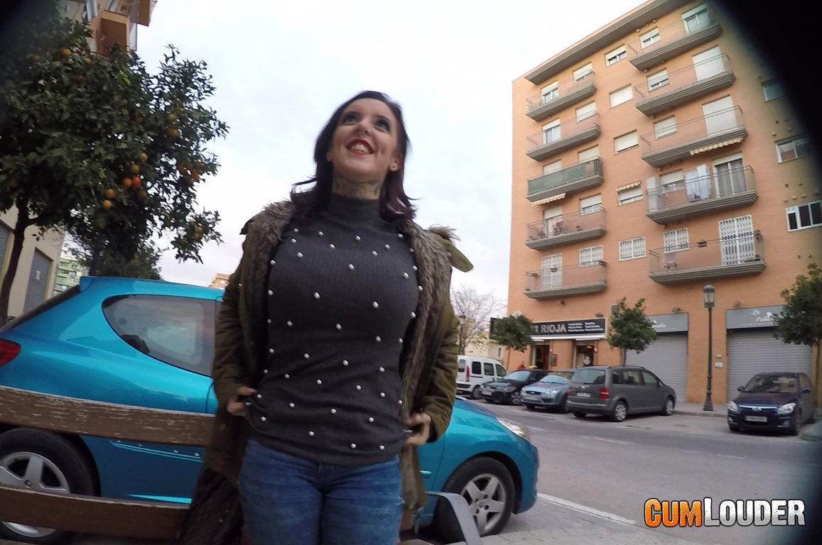Yemaya González debuta en CumLouder regalando pajas